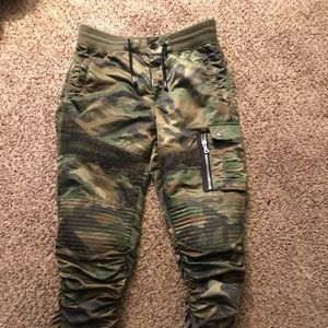 Other - Camouflage Joggers Size Large